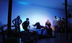 Neben klassischen Theaterstücken haben regelmäßige Improvisationsabende auf der Kleinkunstbühne schon ihre Fangemeinde gefunden. Foto: theaterloge