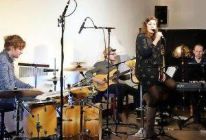Mit Jazz und eigenen Songs haben Philip Margean, Norman Gatzke, Tilman-P. Schulze (v.l.) und Sängerin Helen Schmidt bestens unterhalten. Foto: bkh1